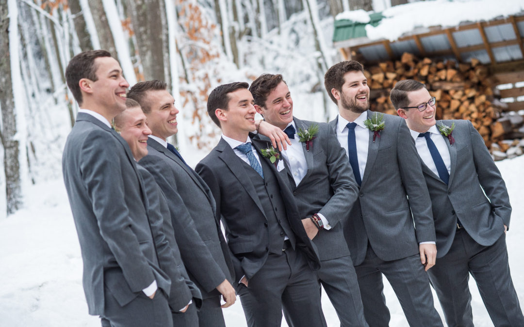 What should the groom wear to the wedding?
